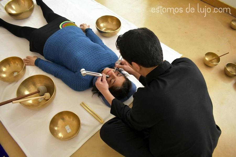 Tratamiento de estética con diapasones terapéuticos